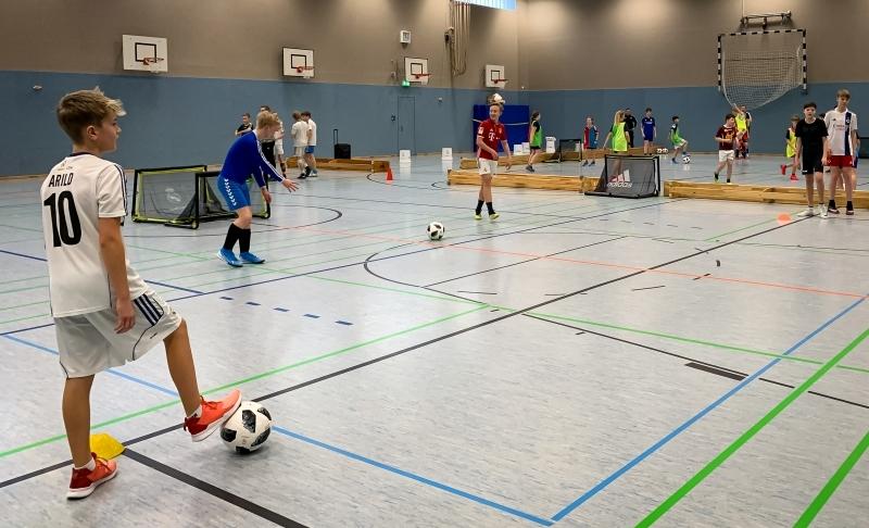 Sport-Spiel-Halle